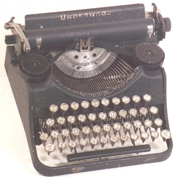 1932 Underwood Junior -- simplified depression-era portable.  S/N 611468.
